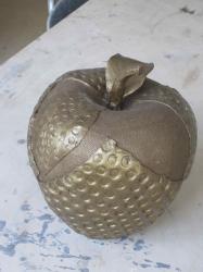 sculpture pomme